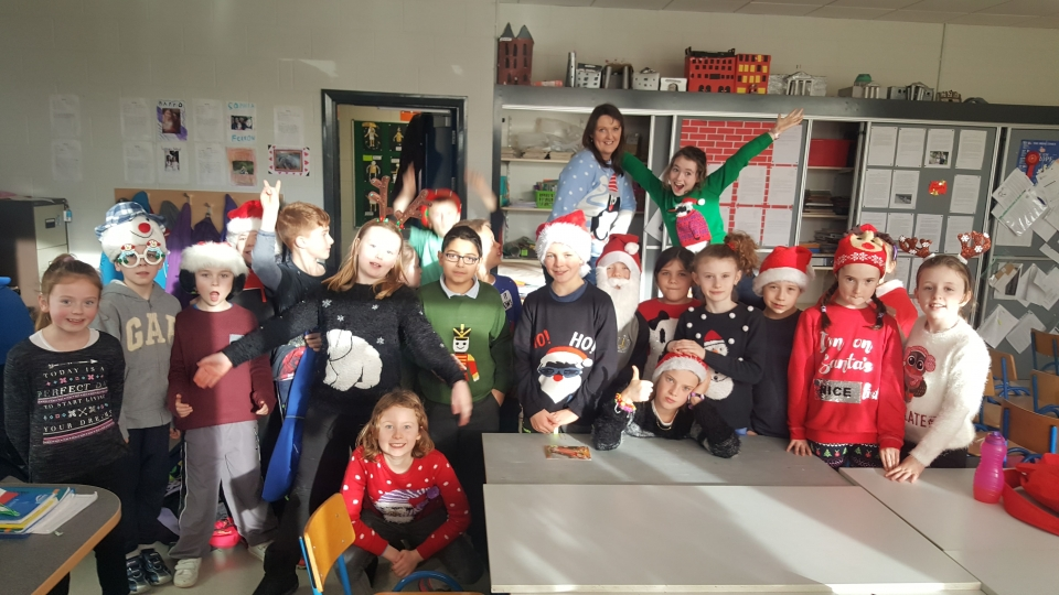 Christmas Jumpers 2016 (13)