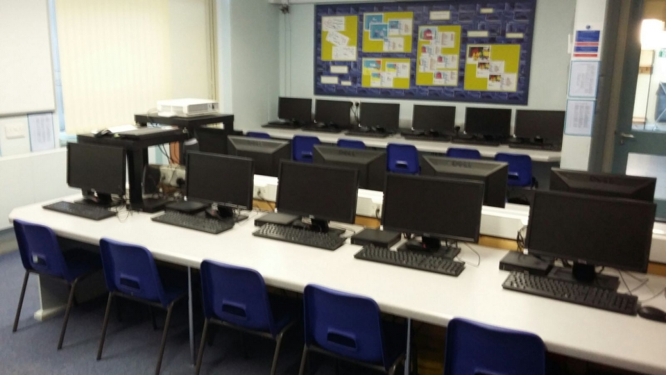 Erasmus England Nov 16 (5) Computer Room
