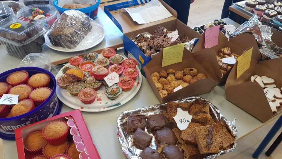 Cake Sale Feb 18 (27)